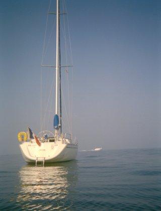 bateau au mouillage